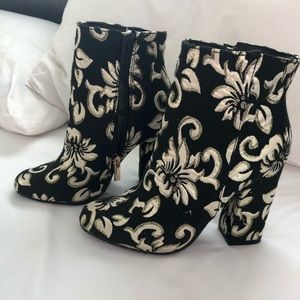 Nastygal Embroidered Ankle Boots Booties 6